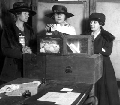 women_vote_ny_19172